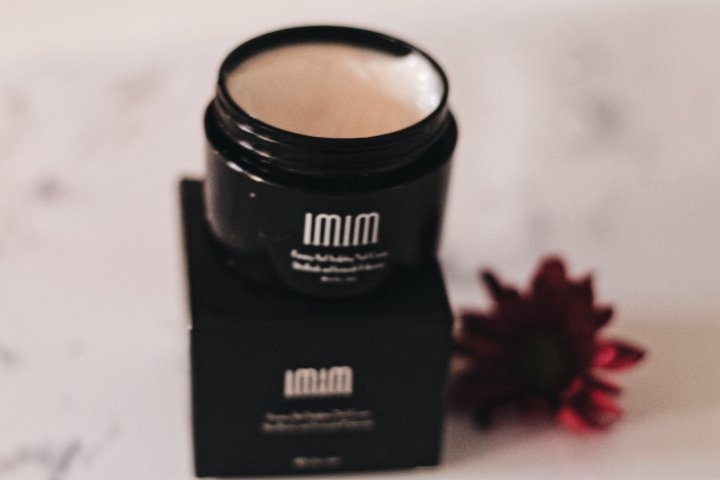 Image of IMIM Skincare neck moisturiser - The Style of Laura Jane